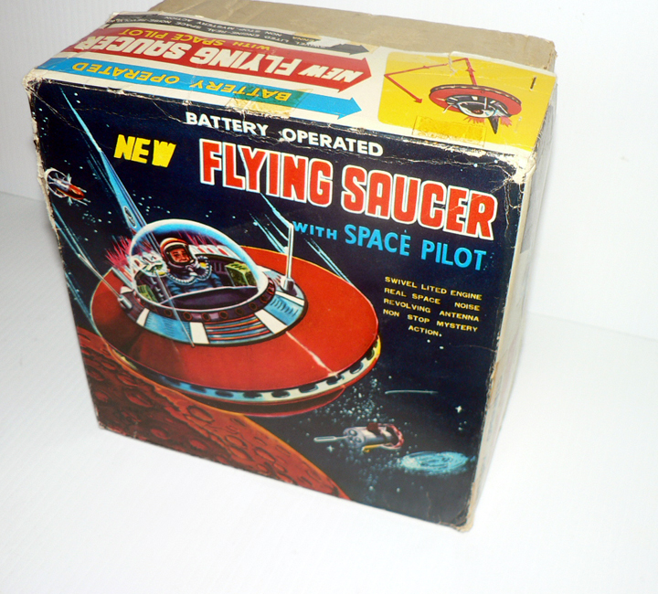 NEW FLYING SAUCER WITH PILOTE